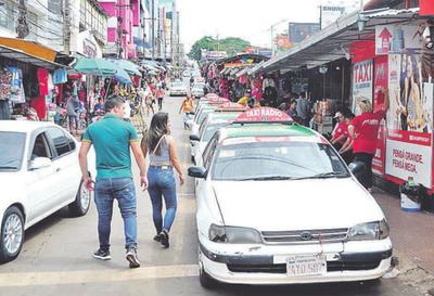Denuncian persecución de los taxistas a  MUV