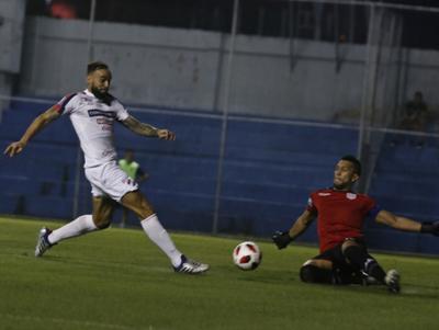 Facundo Parra se destacó en la victoria de Nacional