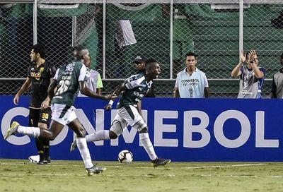 Guaraní vuelve con una derrota y tres expulsados