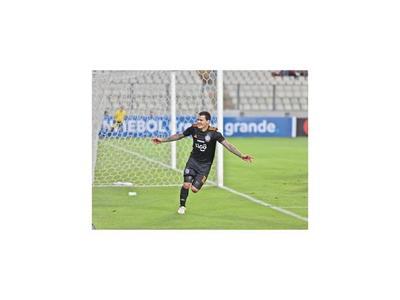 También golea en la Copa