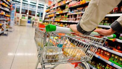 Argentina no remonta: el consumo en enero cayó 10,5% en los súper y 15,1% en shoppings