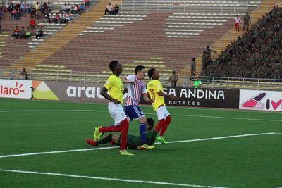 Sin ganar en el 'hexagonal': la Albirrojita igualó ante Ecuador