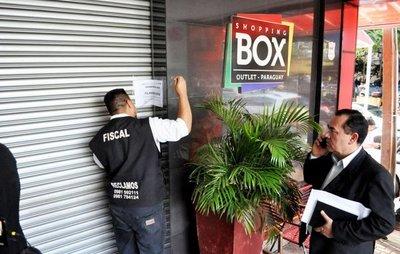 Clausuran shopping privado ubicado en tierra destinada a fines sociales