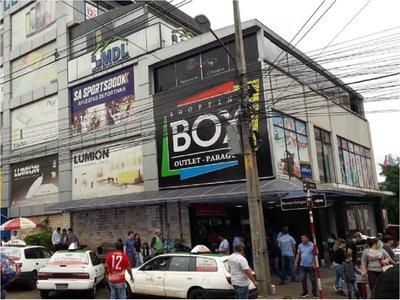 Con orden judicial, reabre shopping clausurado en CDE