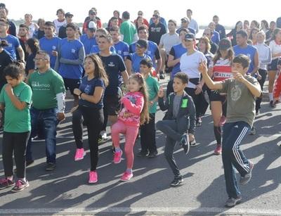 """""""Correcaminata"""" en Costanera de Asunción por el Día Mundial de la Actividad Física"""