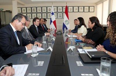 Paraguay y Panamá dan seguimiento a agenda de cooperación comercial y económica