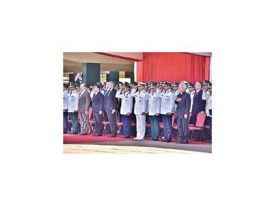 Militares que son abogados llevan casos particulares, pese a prohibición por ley