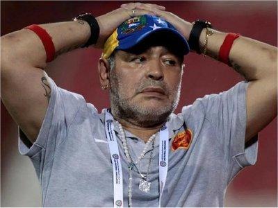 Maradona es sancionado por declaraciones a favor de Maduro