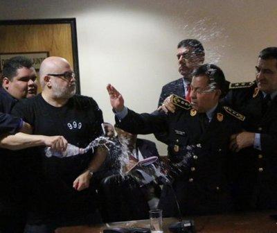 Payo Cubas agrede a senador, ministro y comandante