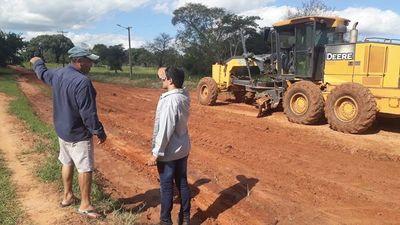 Reparan caminos rurales en San Pedro