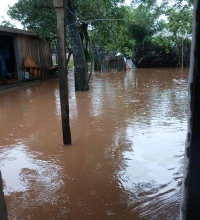 Despacho de Primera Dama cerró puertas a inundados de San Lorenzo