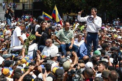 """Venezuela acusa a OEA de apoyar """"golpe de Estado"""" de Guaidó"""