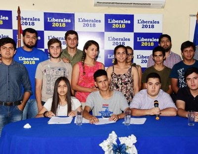 Jóvenes pedirán la expulsión de María Bajac en el Senado
