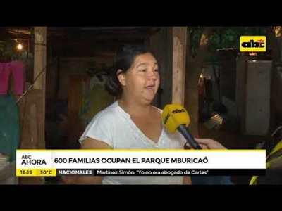 600 familias ocupan el parque Mburicaó