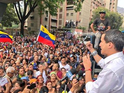 Vuelven a protestar en las calles en contra del régimen de Maduro