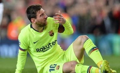 HOY / Messi será examinado tras sufrir un fuerte golpe en el pómulo