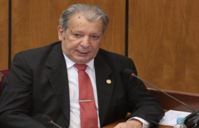 """""""Por sus altos méritos académicos"""", Kale a favor de Martínez Simó ..."""
