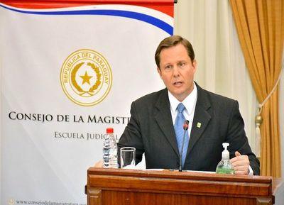 Senado designa a Martínez Simón para reemplazar a Sindulfo Blanco