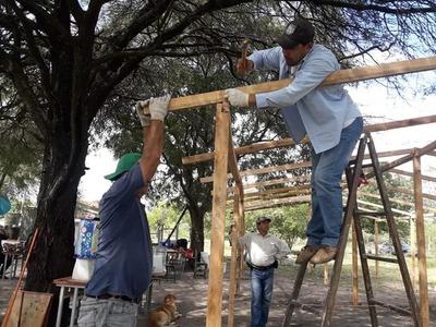 Gobernación construyen aulas provisorias en Chaco'i tras inundación