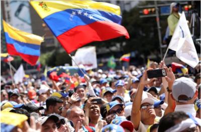 FMI y BM ayudarán a Venezuela cuando definan a qué gobierno reconocen