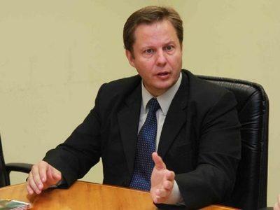 Designan a Martinez Simón como Ministro