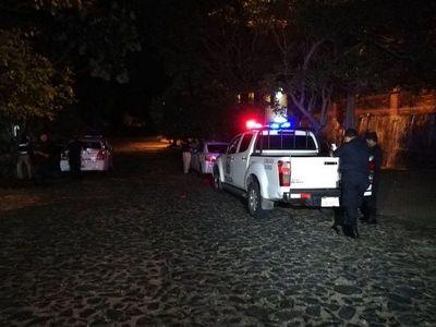 Millonario asalto a una familia en barrio Sajonia