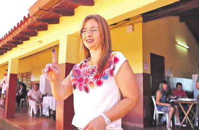 Lilian desmiente pedido de cargo