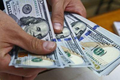 El dólar se fortalece ante desaceleración global