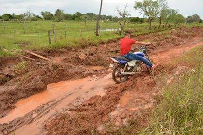 Terrible estado de caminos rurales en Concepción