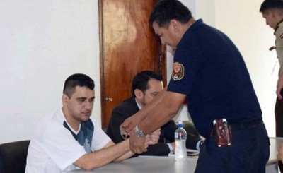 Otra acusación contra criminal que robó patrullera y disparó a policía