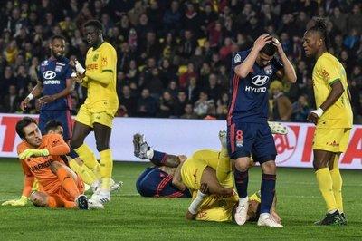 Lyon cae en Nantes y se complica