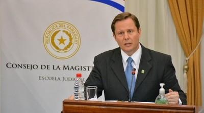 Martínez Simón jura como ministro de Corte el martes