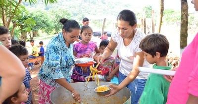 Comuna entregó víveres a un comedor de niños