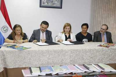 MEC presenta libros escolares escritos en 9 lenguas nativas