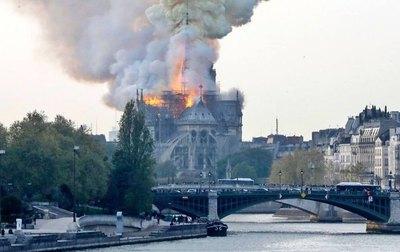 Tragedia histórica: ¡Arde la catedral de Notre Dame!