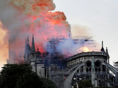 Mario Abdo Benítez se solidariza con Francia