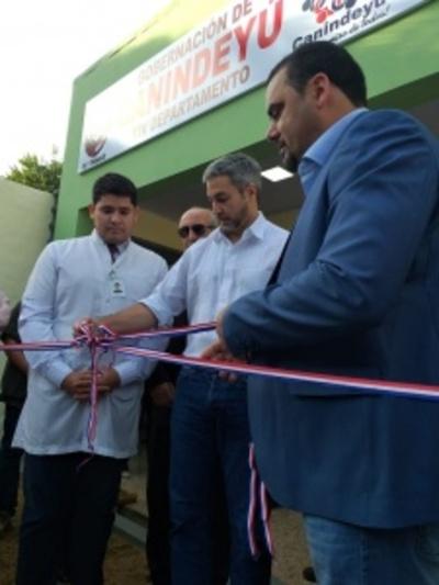 Inauguración y verificación de varias obras en Salto del Guairá