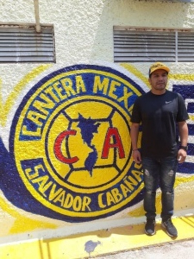 Salvador Cabañas inaugura su Escuela de Fútbol en México