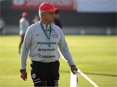 Rueda espera seguir en Chile después de Copa América