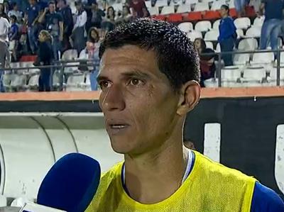 César Villagra marcó un triplete en la goleada de Sol de América