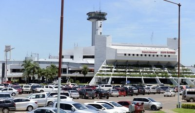 Más de 13.000 personas pasaron por Aeropuerto Silvio Pettirossi en días santos