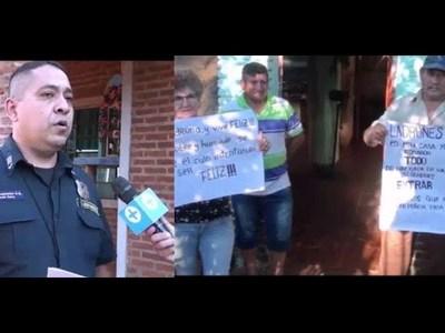 POLICÍAS RESPONDEN A VECINOS DE CHAIPE