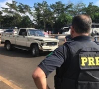 Cae paraguayo que quiso pasar Puente de la Amistad en camioneta robada