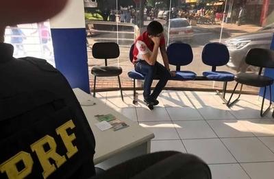 Tras persecución en el Puente de la Amistad, detienen a paraguayo con vehículo robado