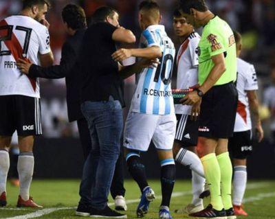 'El Paragua' a los golpes con Ricardo Centurión
