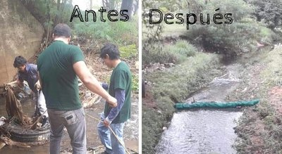 ¡Limpian arroyos con materiales reciclados!