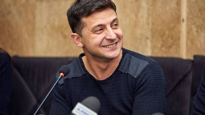 Ucrania va a las urnas, con un comediante a las puertas de la victoria