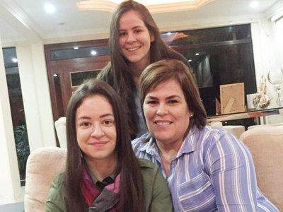 Hijas de Cuevas perciben salarios del Poder Judicial y del SNPP