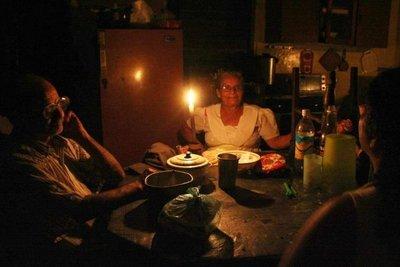 El régimen cubano recorta energía eléctrica para evitar apagones masivos