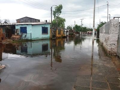 Hallan cadáver de joven en zona inundada